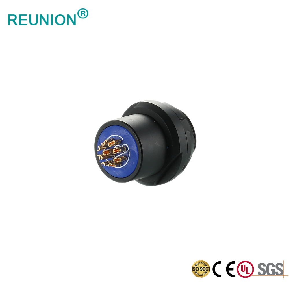 REUNION F Series - Vacuum-tight socket circular push pull connectors